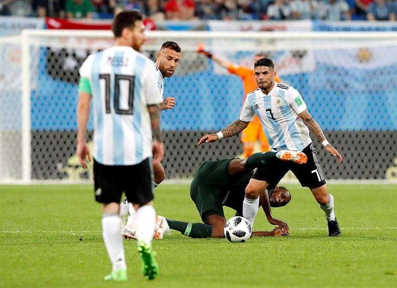 Ever Banega (7) será el mejor aliado de Lionel Messi en los octavos de final del Mundial de Rusia 2018. Foto EFE