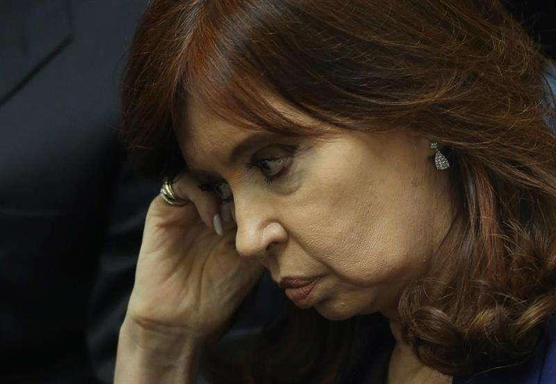 En la imagen un registro de la expresidenta de Argentina entre 2007 y 2015, Cristina Fernández, quien es investigada por presuntas irregularidades en la adjudicación de obras públicas durante su mandato. EFE/Archivo