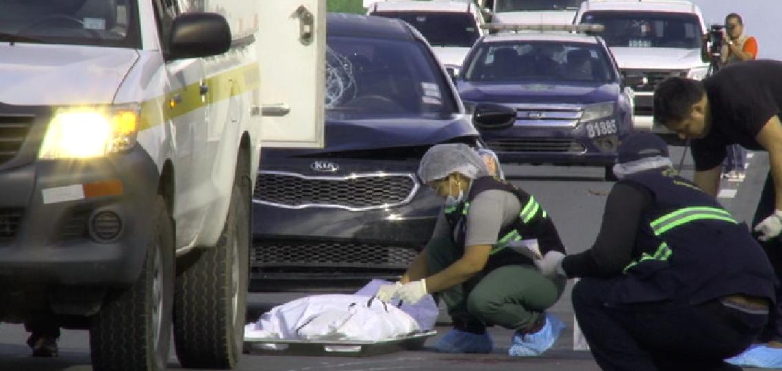 Vista general de la diligencia de levantamiento del cuerpo del ciudadano de generales desconocidas. Foto: Mayra Madrid