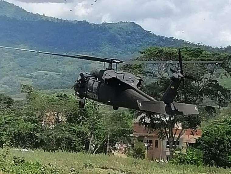 El helicóptero recibió unos 6 impactos de bala, a pesar de ello la aeronave pudo aterrizar sin contratiempos.