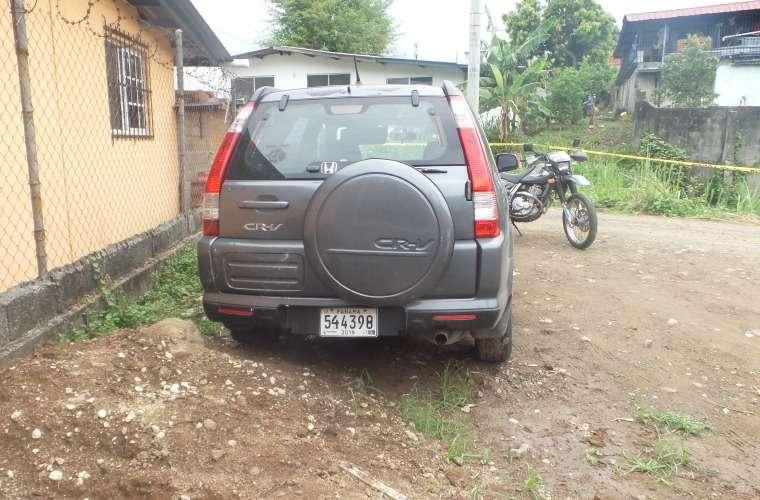 El vehículo estaba estacionado cercano a un área de construcción en Paraíso. Foto: Landro Ortiz