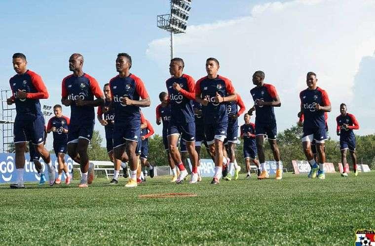 Entrenamiento de ayer de la Selección de Fútbol de Panamá. Foto: Fepafut