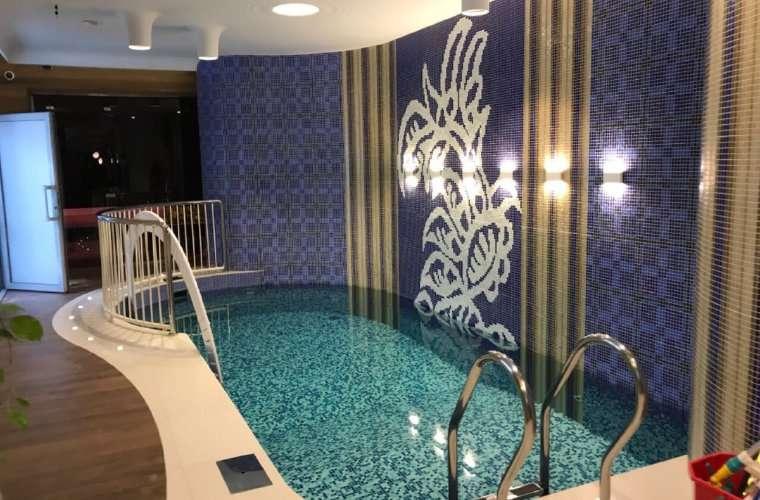 Esta piscina pudiera ser usada por los jugadores de la Roja para relajarse. Foto Fepafut