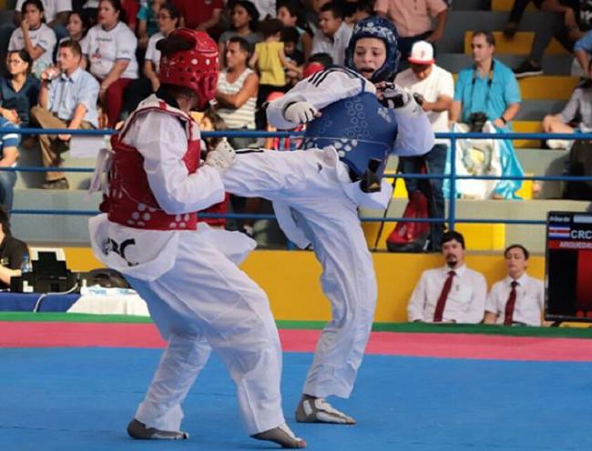Carolena Carstens (Izq.) venía de conquistar la medalla de oro en los Juegos Bolivarianos. Foto: Pandeportes