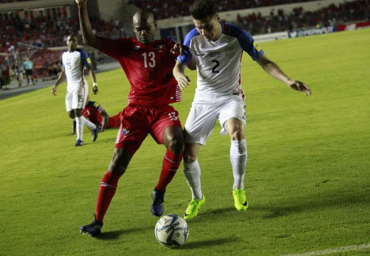 Adolfo Machado (izq.) es uno de los jugadores habituales en la convocatoria de Panamá. Foto Anayansi Gamez