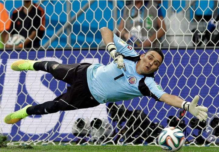 Keylor Navas es la figura principal de Costa Rica para el Mundial de Rusia 2018. Foto EFE