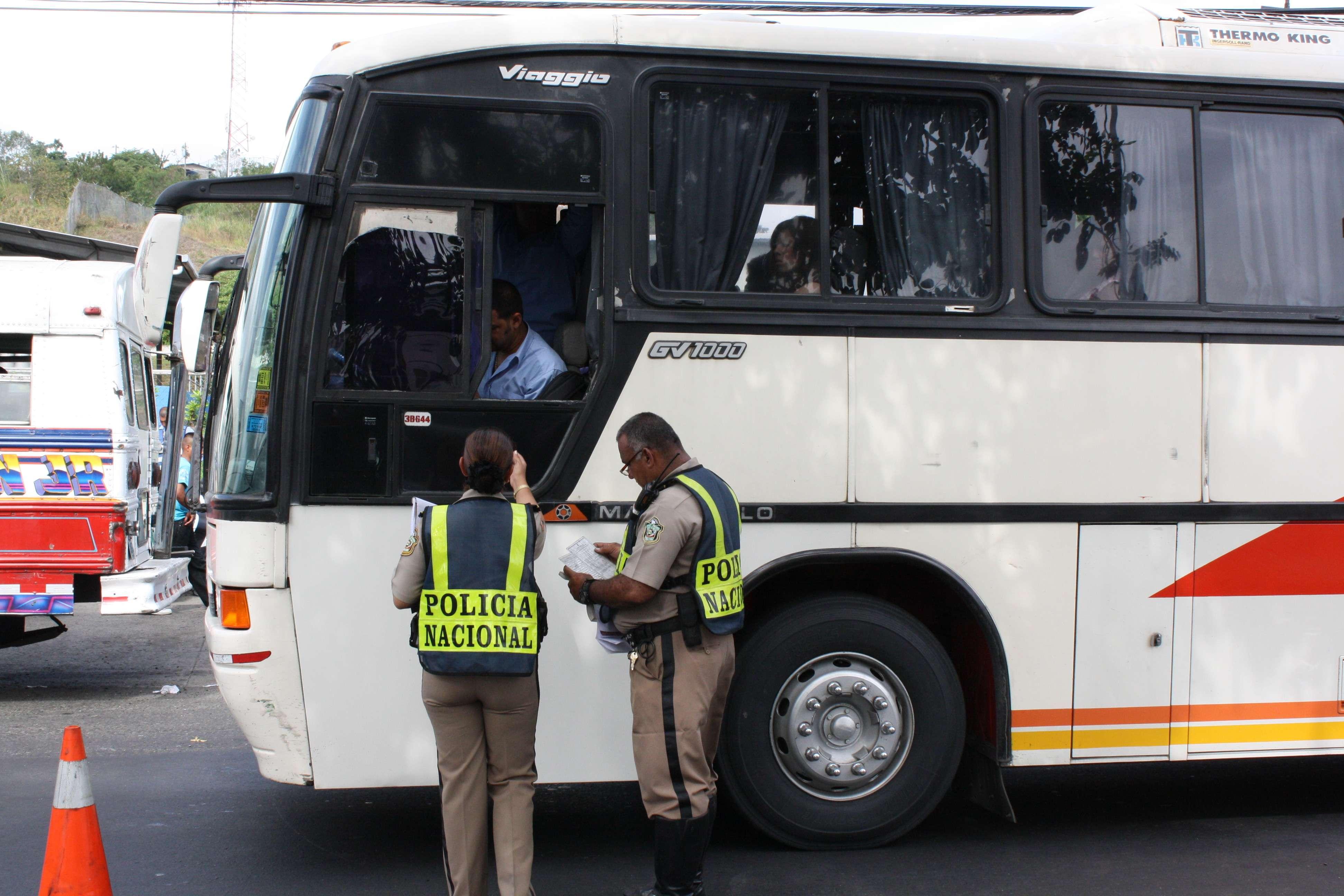 Transportistas alegan que la salida de los autobuses ocasionará un caos vehicular.  Foto: Ilustrativa