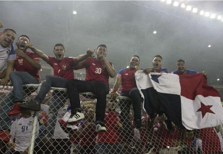 Muchos fanáticos panameños harán el largo viaje para apoyar a la Roja en el Mundial de Rusia 2018. Foto Anayansi Gamez