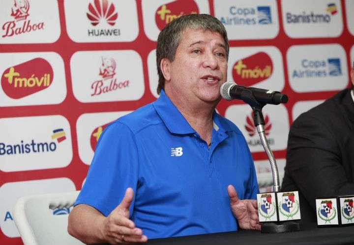 El técnico Hernán Darío Gómez clasificó a Panamá a su primera Copa Mundial de Fútbol. Foto Anayansi Gamez