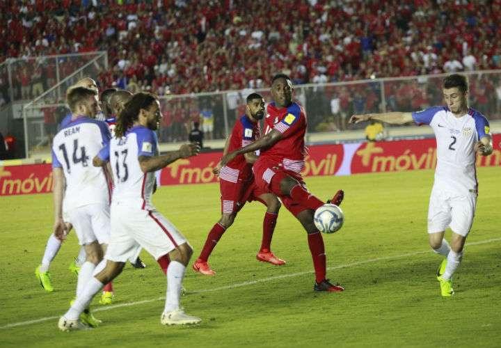 """Luis """"Matador"""" Tejada es uno de los jugadores con más experiencia dentro de la Roja. Foto Anayansi Gamez"""