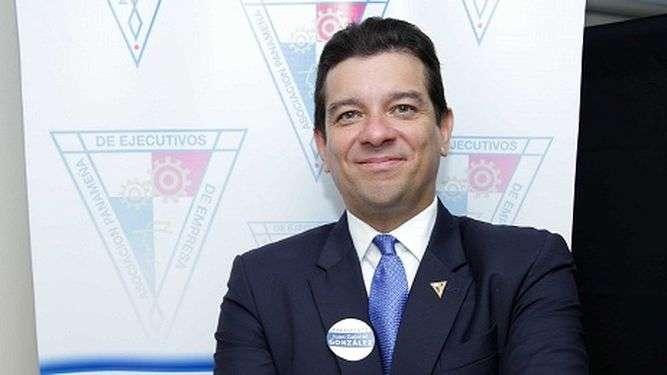 Juan Gabriel González