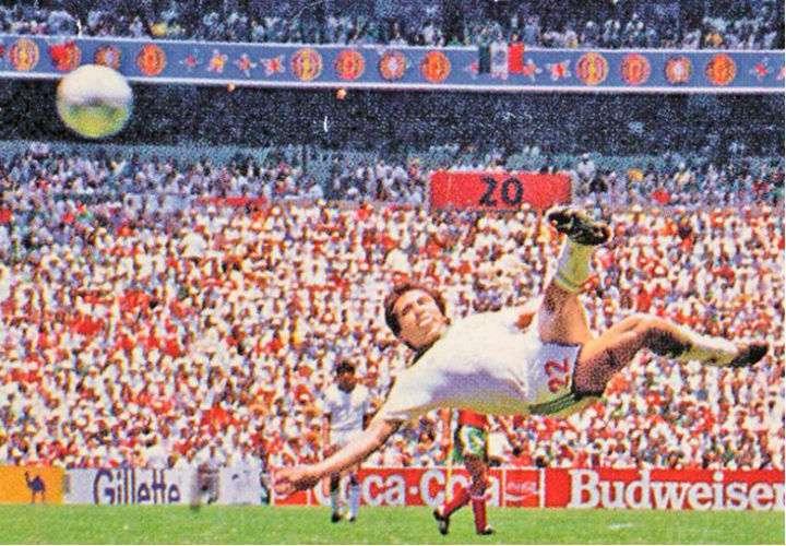 El gol de Manuel Negrete, elegido por los aficionados como el mejor en la historia de los Mundiales.