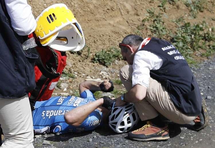El pedalista falleció después de sufrir un paro cardiorrespiratorio durante la París Roubaix. Foto: EFE