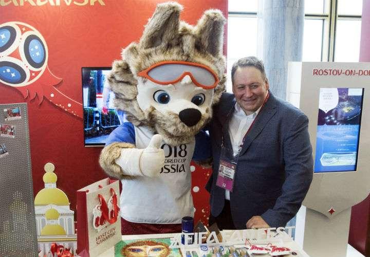 Los aficionados disfrutarán de Zabivaka, la mascota oficial de la Copa Mundial de Fútbol de la FIFA 2018.
