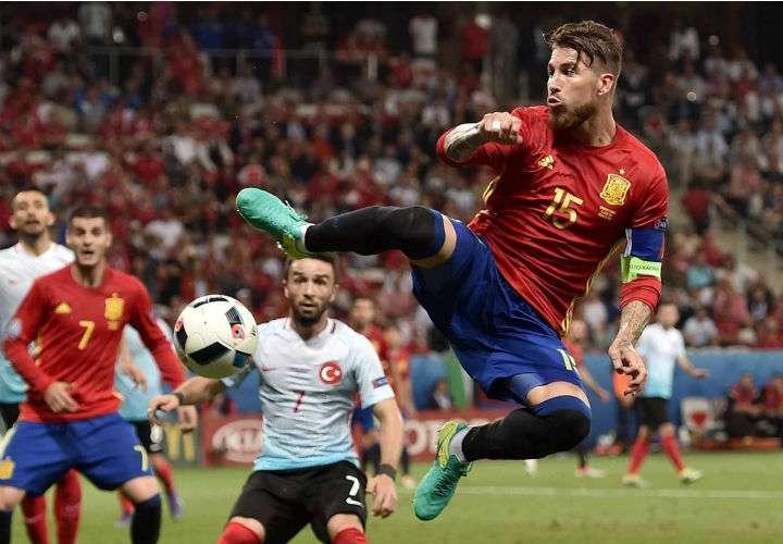 Sergio Ramos es una de la piezas vitales en la selección española.  Foto EFE