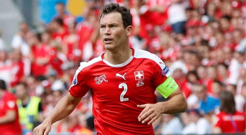 Stephan Lichsteiner es el jugador con más apariciones en la selección suiza y participará en el Mundial de Rusia como capitán del combinado. Foto AP