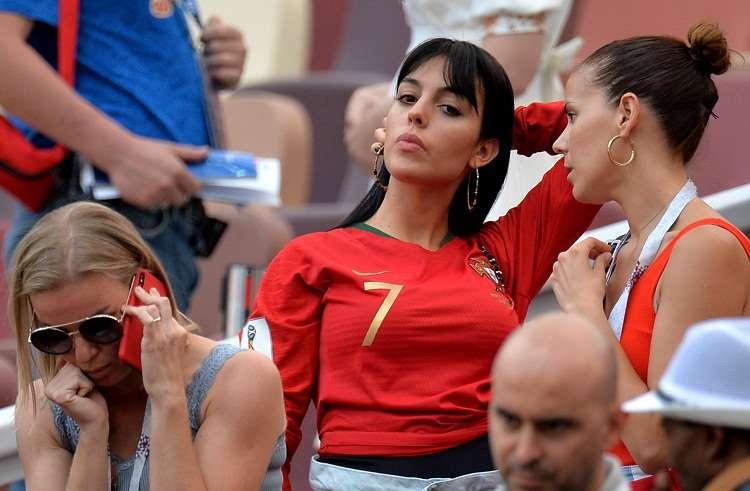 Georgina Rodríguez mira el partido Portugal ante Marruecos. Foto: EFE