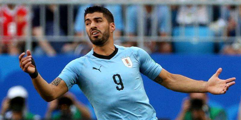Luis Suárez fue elegido como el Mejor Jugador del Partido, en la victoria de Uruguay 3-0 sobre Rusia. Foto EFE