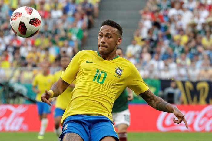 El delantero brasileño Neymar durante el partido Brasil-México, de octavos de final./EFE