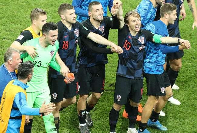 Los jugadores de Croacia celebran la victoria. Foto:EFE