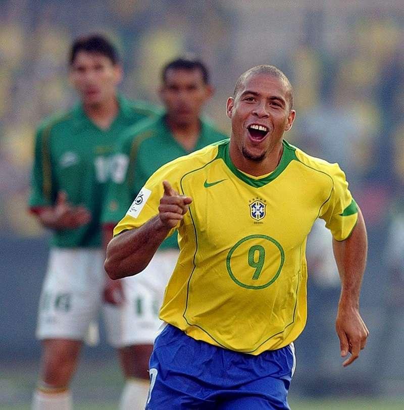 Ronaldo fue dos veces campeón del mundo de la Fifa. Foto EFE