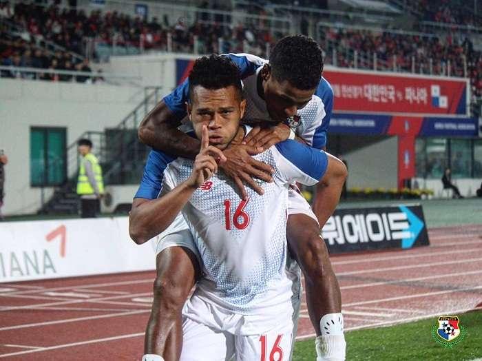 Rolando Blackburn anotó uno de los goles de Panamá ante Corea del Sur. Foto:  Fepafut