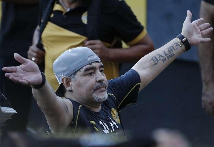 Diego Maradona, excapitán de la selección de Argentina. /AP