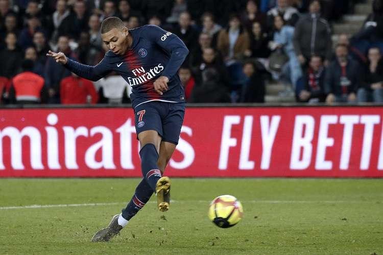 Kylian Mbappe evitó un tropiezo inesperado del cuadro de Thomas Tuchel antes de enfrentarse al Manchester United . Foto: EFE