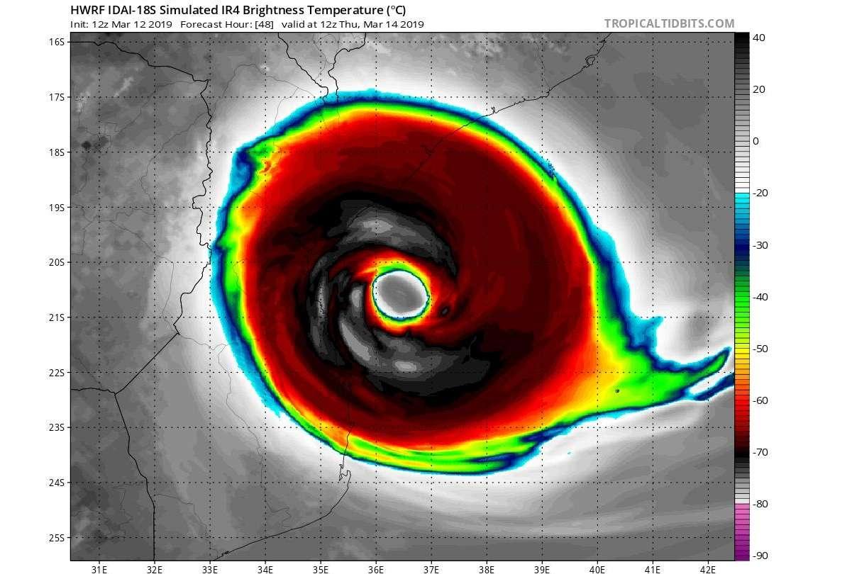 Vista satelital del poderoso ciclón tropical Idai de categoría 4 que tocará tierra este jueves en Mozambique y Madagascar con rachas de vientos sobre los 260 km/h y lluvia torrencial. Foto: @SismoMundial