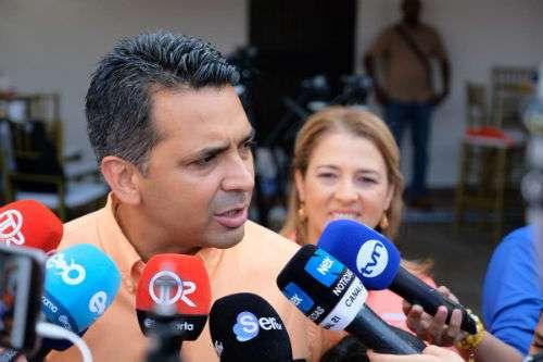 Ricardo Lombana candidato presidencial por la libre postulación.