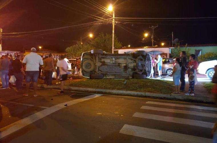 El accidente de tránsito afectó el flujo vehicular por esta vía. Foto: Redes Sociales