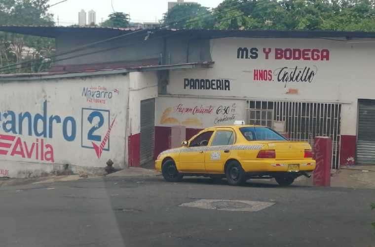 Los delincuentes aprovecharon que no habían muchas personas para robar a los comerciantes. Foto: Cortesía