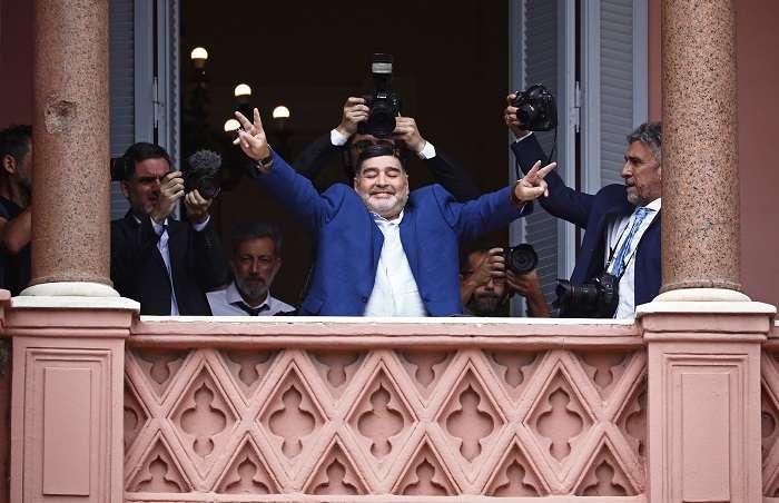 Diego Maradona visitó la Casa Rosada. /EFE