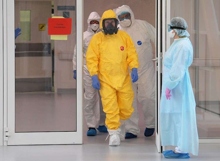 El presidente de Rusia, Vladimir Putin visitó uno de los hospitales donde hay contagiados con el COVID-19