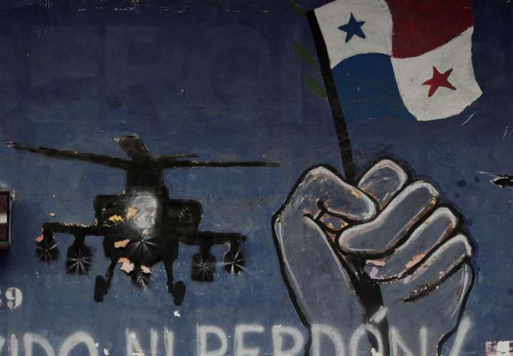 Mural conmemorativo de la invasión de los Estados Unidos al_barrio_de El Chorrillo. Foto: EFE/Archivo