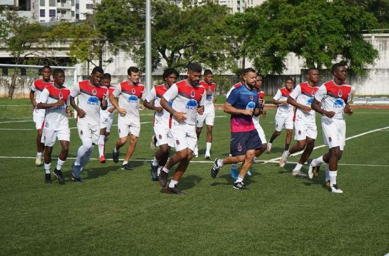 El Sporting de San miguelito durante una práctica previo al partido ante el CAI de La Chorrera. Fotos: Sporting de San Miguelito