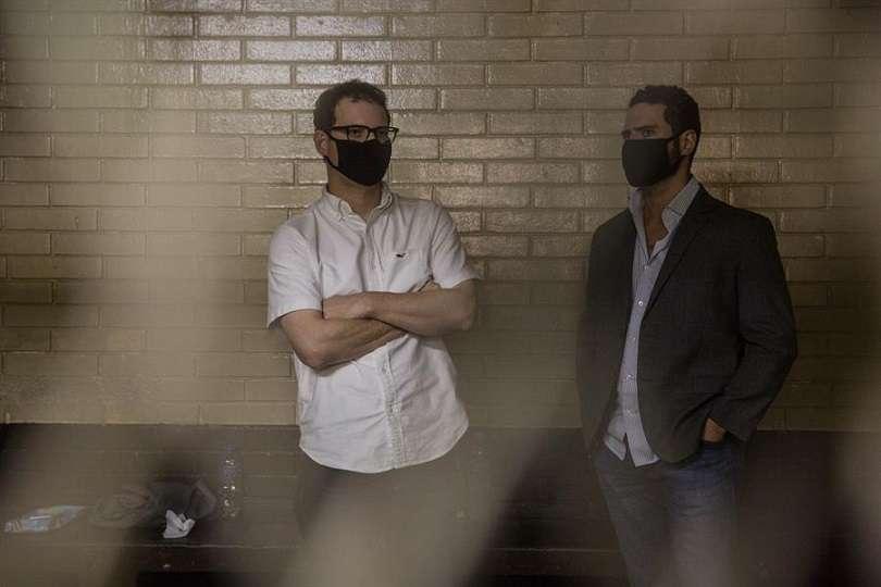 En la imagen aparecen los hermanos Luis Enrique (i) y Ricardo Alberto Martinelli Linares. Foto:  EFE Archivo