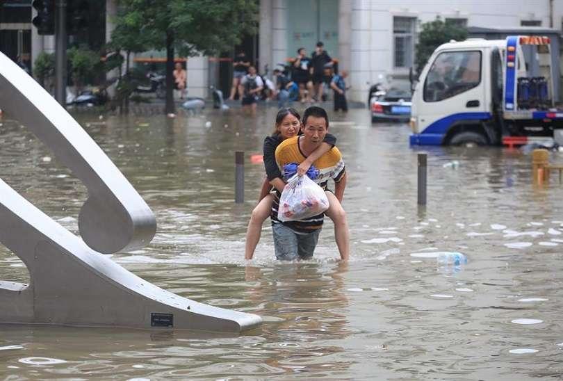 La mayor precipitación conocida hasta el momento en la ciudad se había desatado en 1975, con 198,5 milímetros por hora y metro cuadrado. EFE