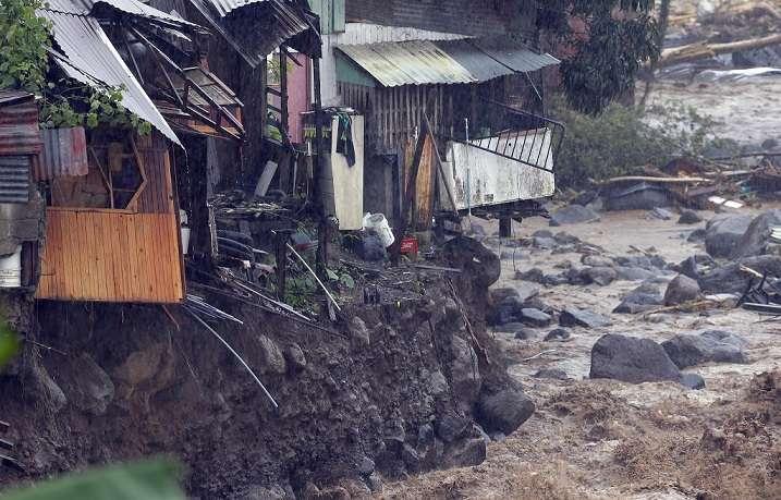 Fuertes inundaciones en cinco cantones de  Costa Rica. Foto: BlueDragon3285