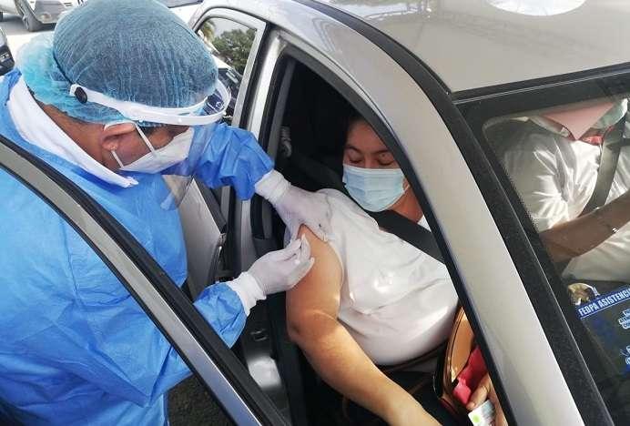 La decisión de bajar la edad para la aplicación de esta vacuna se basa en estudios realizados por la OMS y la EMA.