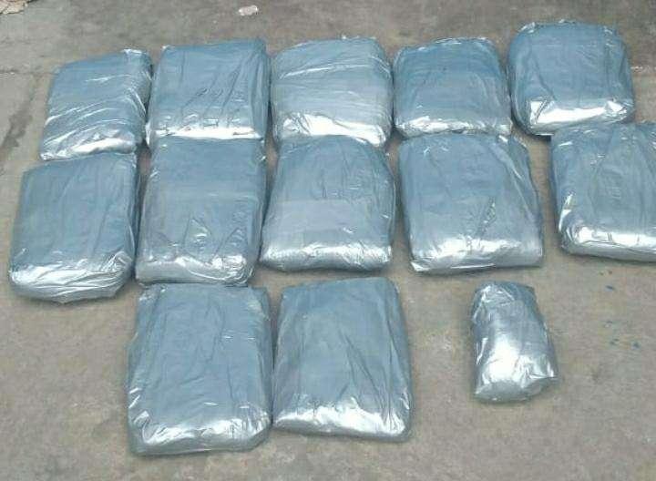 La droga fue encontrada en paquetes en una empresa de encomienda.