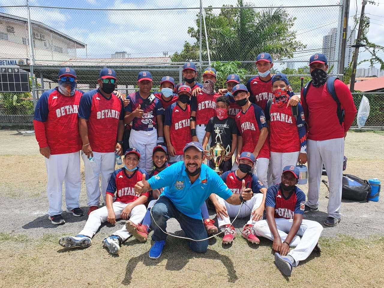 El equipo campeón de Betania. /Cortesía