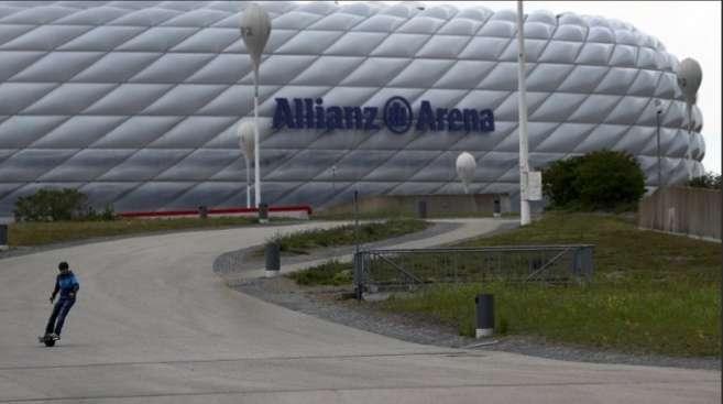 Vista en las afueras del estadio Allianz Arena.
