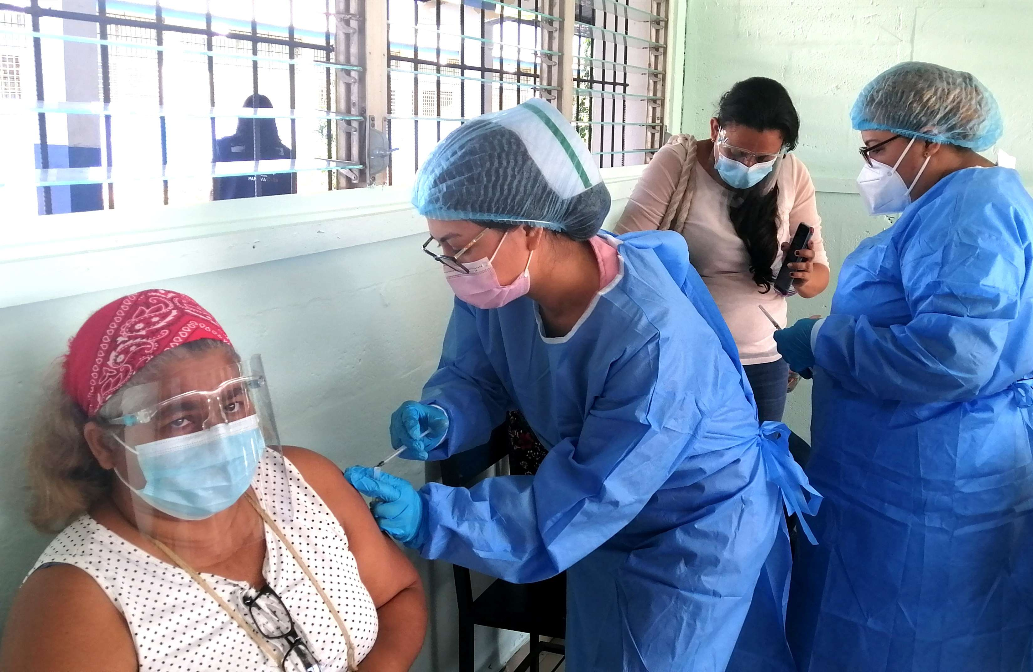 La vacunación continuará en el. 7-2 y 6-1, en Herrera.