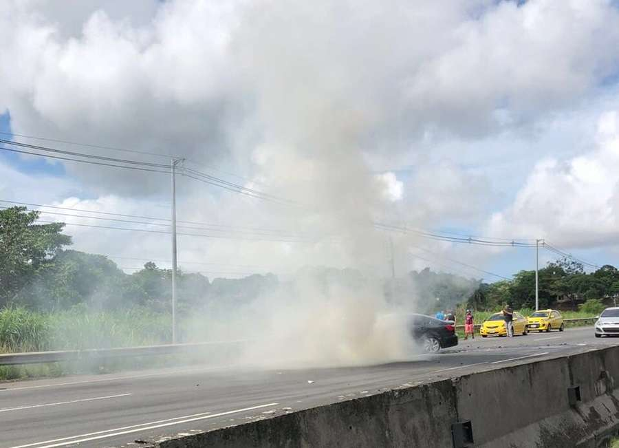 Vista general del accidente en la autopista Arraiján - La Chorrera. Foto: @TraficoCPanama