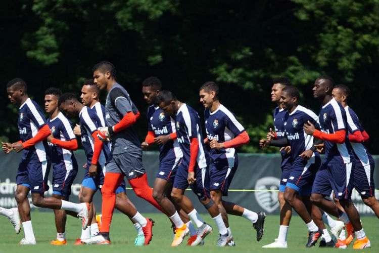 La Selección de Panamá durante su entrenamiento de hoy lunes en Kansas City. Foto: Fepafut