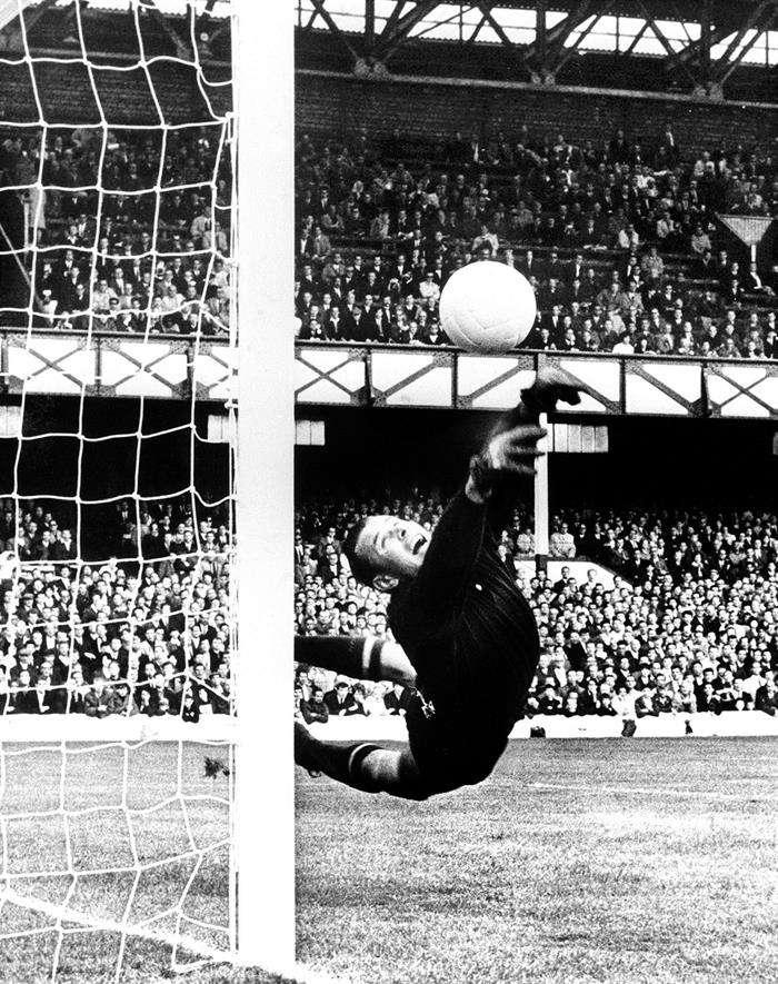 magen del mítico Lev Yashin, durante el Mundial de Inglaterra de 1966. Yashin es el mejor portero de la historia, según la FIFA. Foto EFE