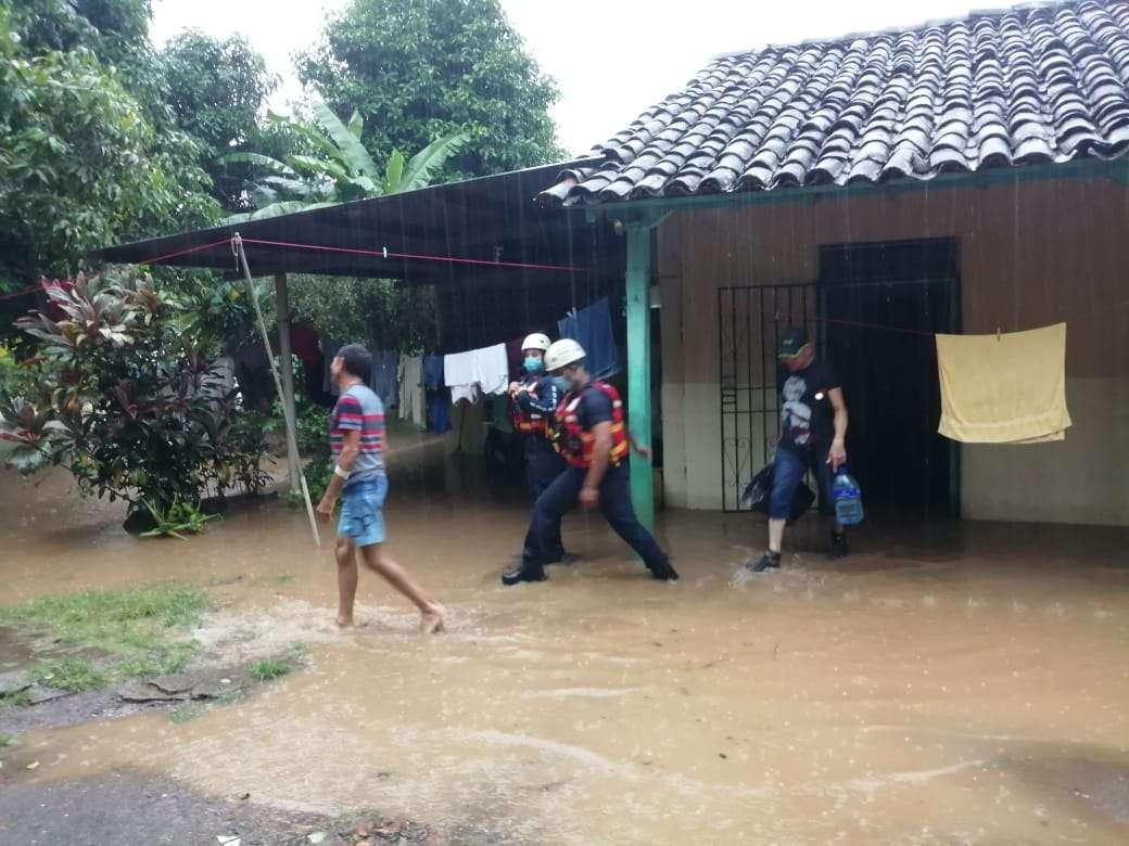 Las principales afectaciones se dieron en la vía entre Guararé y Las Tablas.