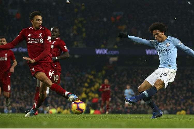 El Manchester City recortó la ventaja que tenía el Liverpool en la tabla de posiciones en la Liga de Inglaterra.