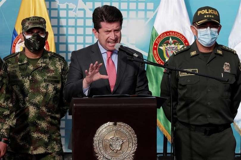 El ministro de Defensa de Colombia, Diego Molano (c). EFE